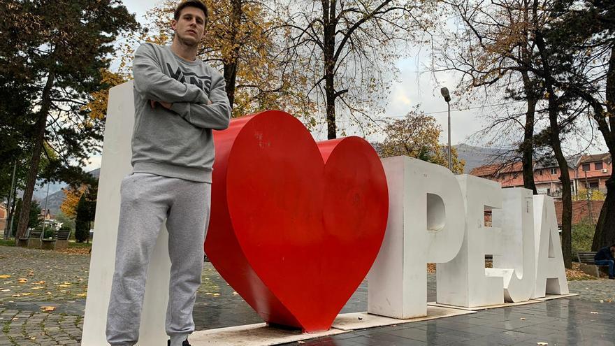 Kosovo ofrece la intenacionalidad al jugador de balonmano gijonés Víctor Alonso