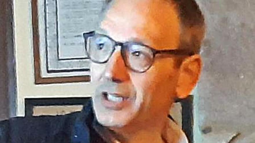 Jordi Font deixa el lloc a Vicenç Villatoro al Memorial Democràtic