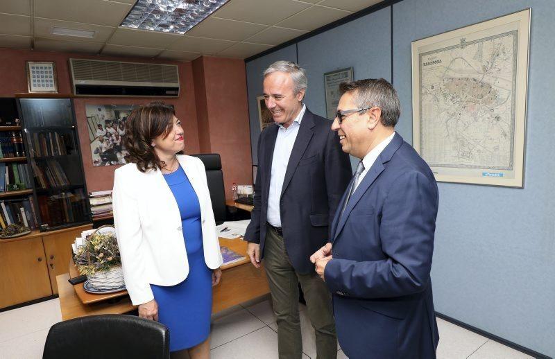 Visita de Jorge Azcón a la redacción