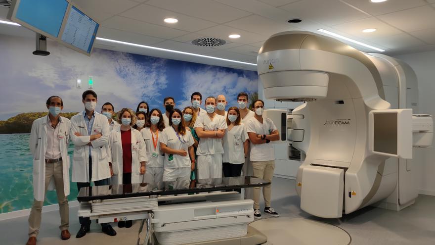 El aparato de radioterapia donado por Amancio Ortega entra en servicio (por fin) en el General de Elche