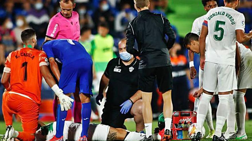 Lesión preocupante en la rodilla de Pedro Bigas y cuarta tarjeta para Gonzalo Verdú