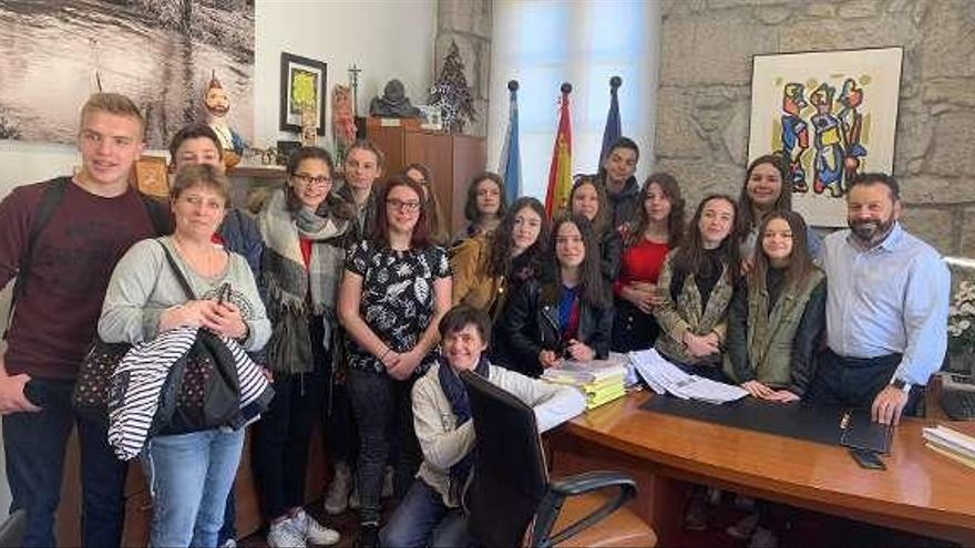 Quince estudiantes de Normandía visitan Gondomar