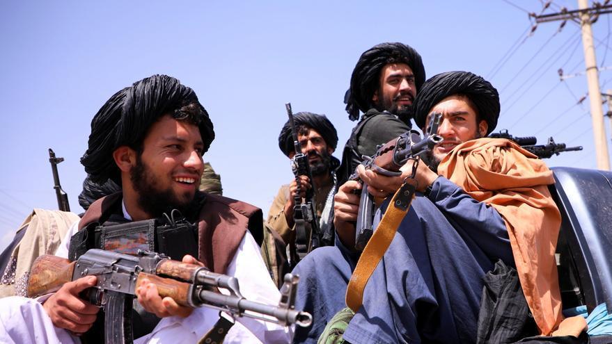 La diplomacia internacional, única vía para seguir evacuando a los refugiados de Afganistán