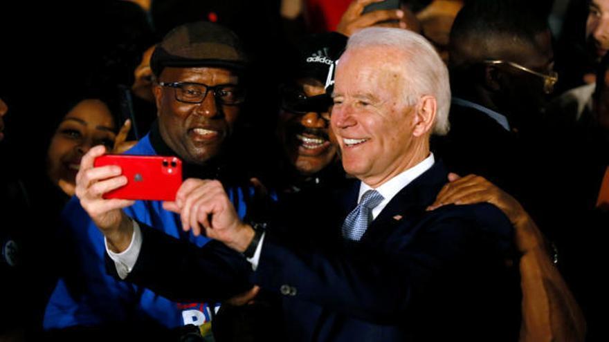 Joe Biden gana las primarias demócratas de Carolina del Sur con casi el 50% de apoyos