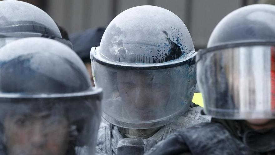 Detenido un hombre que amenazó con estallar una bomba en un banco de Kiev