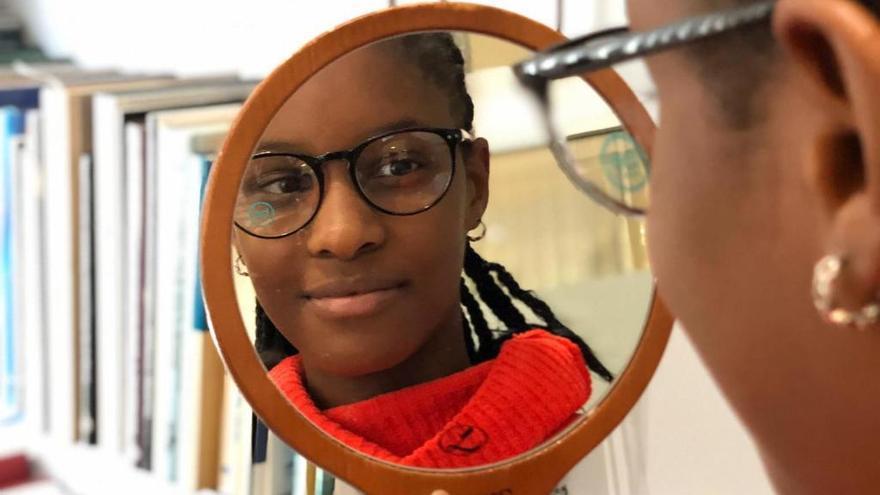 «Invulnerables» facilita una revisió de vista i ulleres a infants de Ksameu