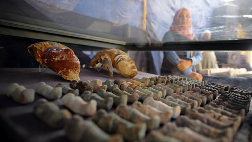Descubiertas unas 250 tumbas rupestres de nobles en el sur de Egipto