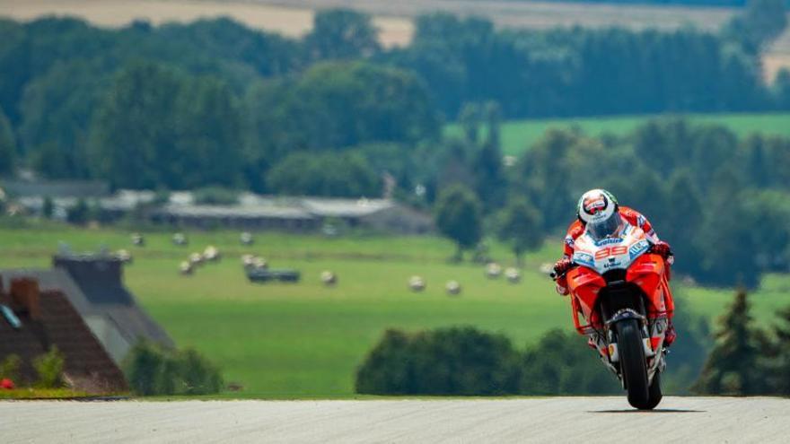 La Ducati de Lorenzo marca el ritmo en Sachsenring
