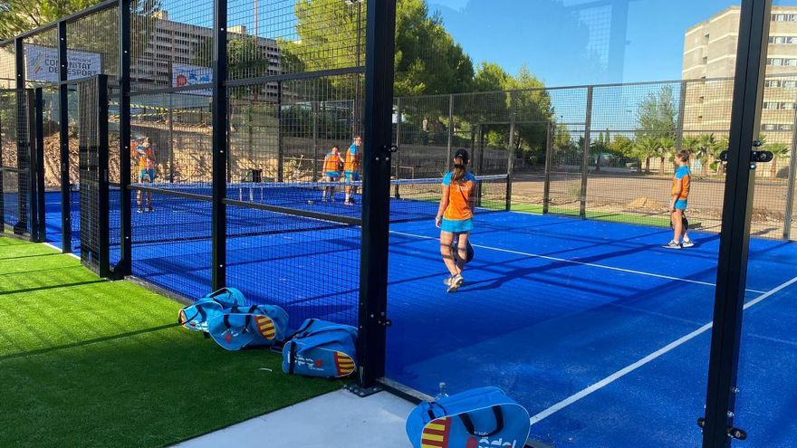 La Federación de Pádel de la Comunitat Valenciana inaugura el curso escolar y las nuevas pistas del Complejo de Cheste