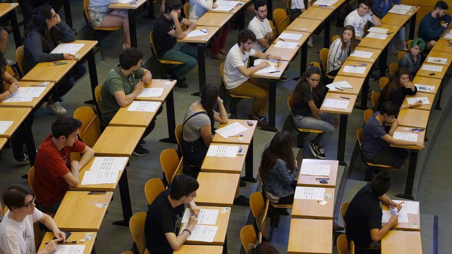 Los nuevos universitarios seleccionan la carrera por las salidas laborales