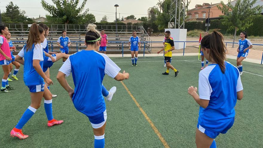 El Alhama CF ElPozo avanza con paso firme y cierra su plantilla