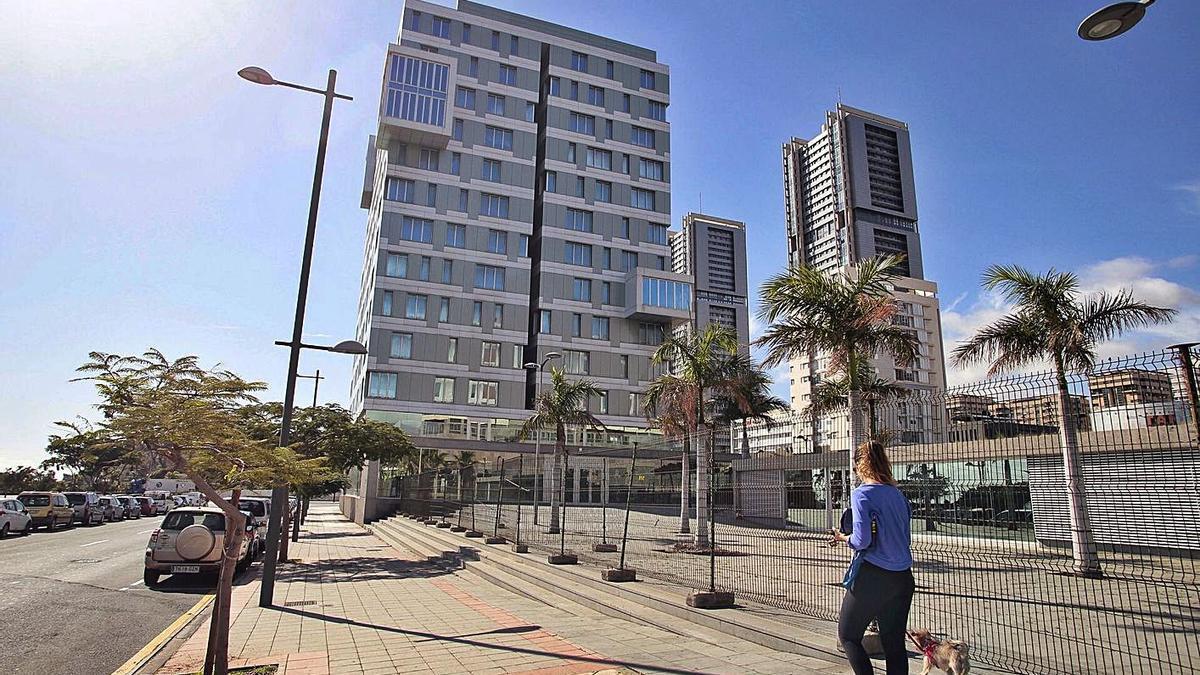 Edificio ubicado en Cabo Llanos que Antonio Plasencia ha entregado al Ayuntamiento de Santa Cruz.