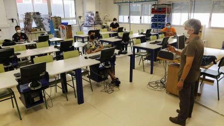 Los Institutos Reciben A Los Primeros Y Escasos Grupos De Alumnos De Bachillerato Y Fp Faro De Vigo