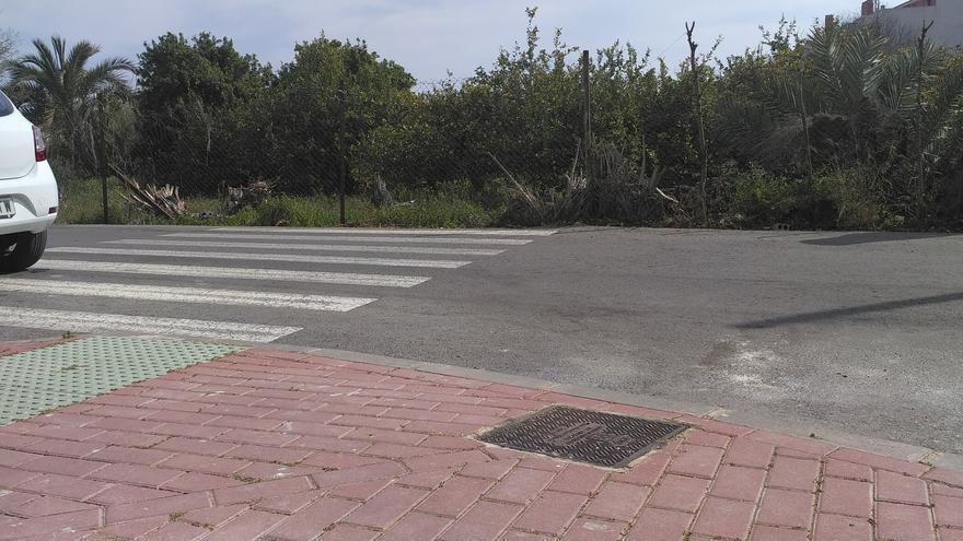 Burlas por el repintado de pasos de peatones a ningún lugar en Barriomar