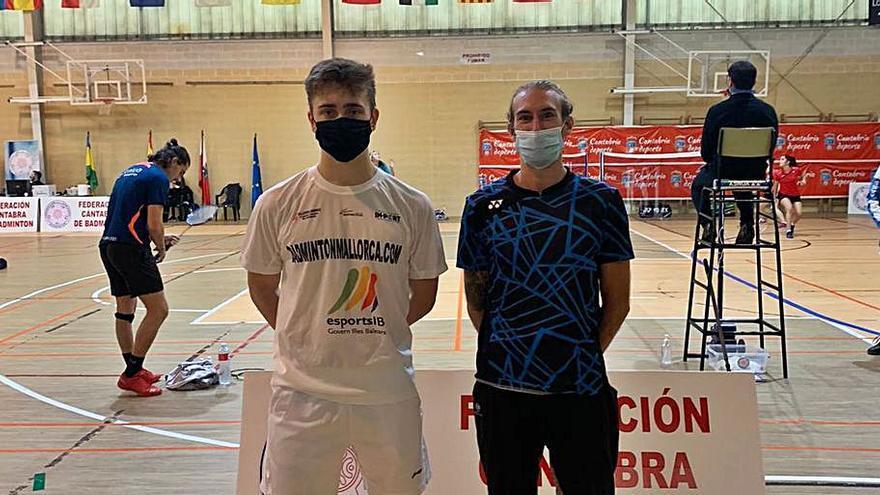 Rodríguez y Navarro, en el Master Nacional de bádminton