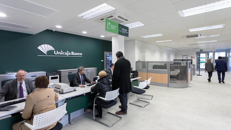 """Consumo ve """"injustificado"""" que la banca cambie las condiciones en las cuentas"""
