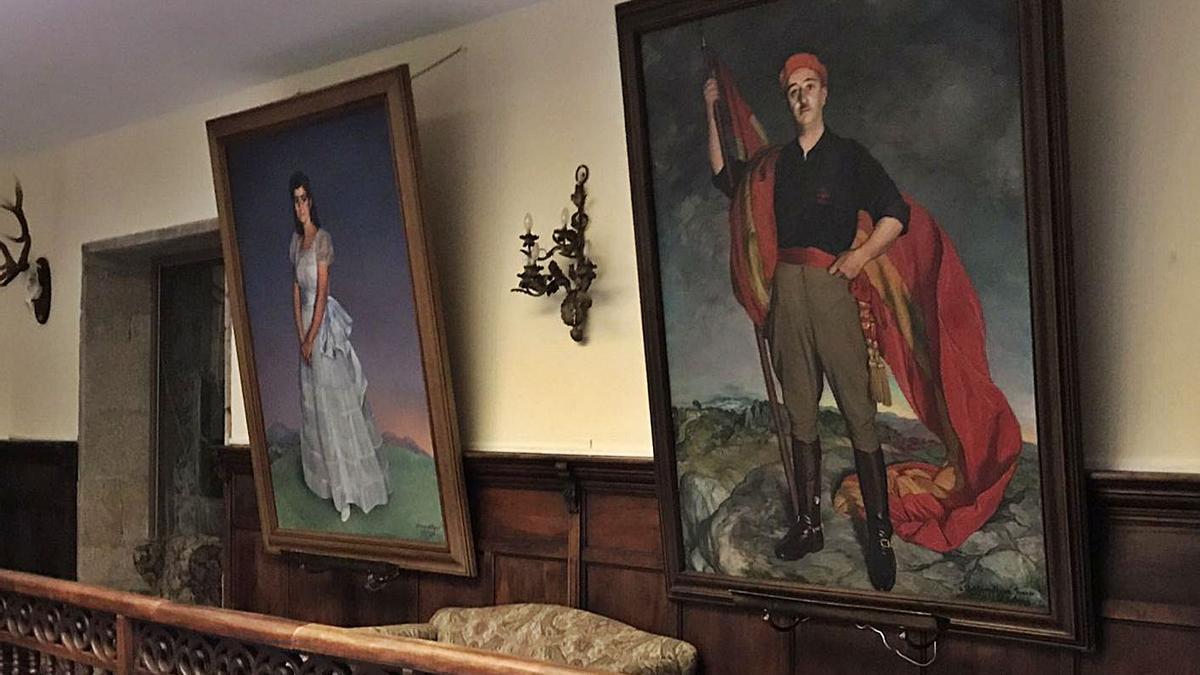 Retrato de Franco y de su hija, Carmen, obra de Zuloaga, en el primer piso del pazo de Meirás.     // LOC