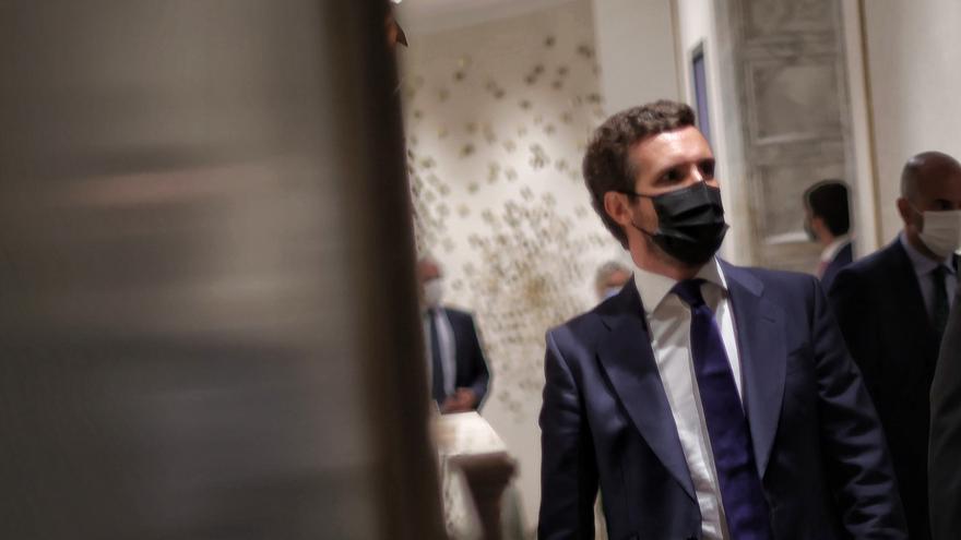 Casado pide a Sánchez hacer lo posible para que Puigdemont sea extraditado