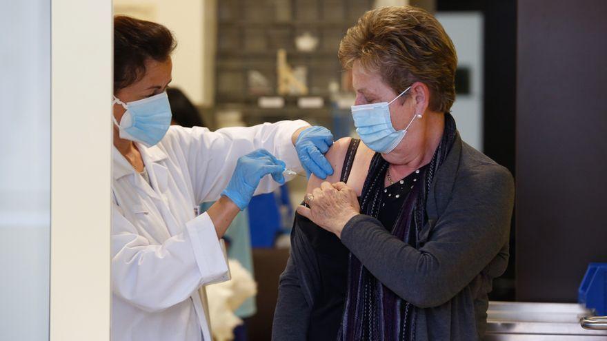 Salud comienza esta semana a llamar a las personas nacidas en 1965 para vacunarlas