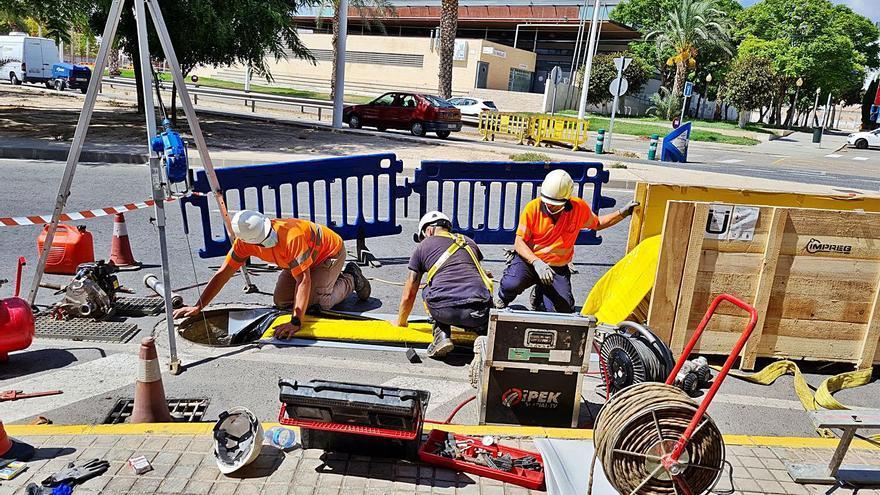 Aigües d'Elx prueba un sistema pionero para reparar tuberías sin abrir zanjas