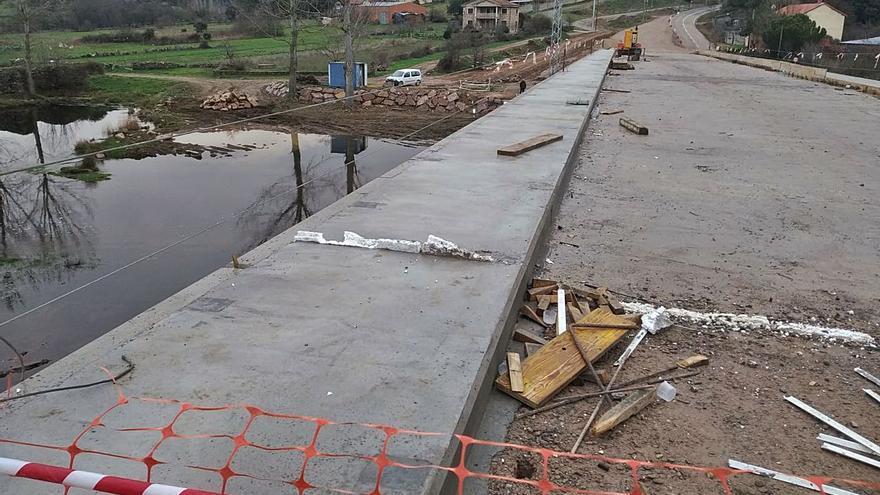 El puente de Domez, a punto de abrirse, mejorará la comunicación de 17 pueblos