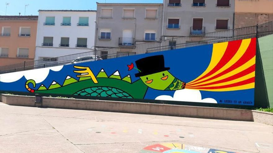 Caspe cubre sus paredes con murales urbanos