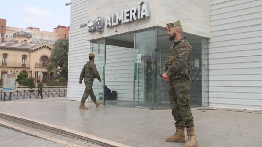 """L'Estat diu que l'exèrcit es desplegarà a Catalunya """"quan es necessiti"""" sense diferenciar territoris"""