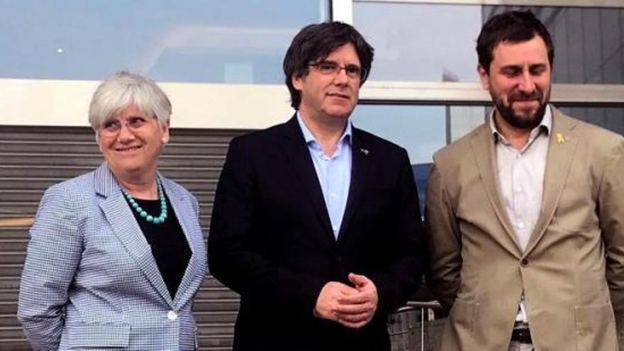 L'informe de l'Eurocambra proposa retirar la immunitat a Puigdemont, Comín i Ponsatí