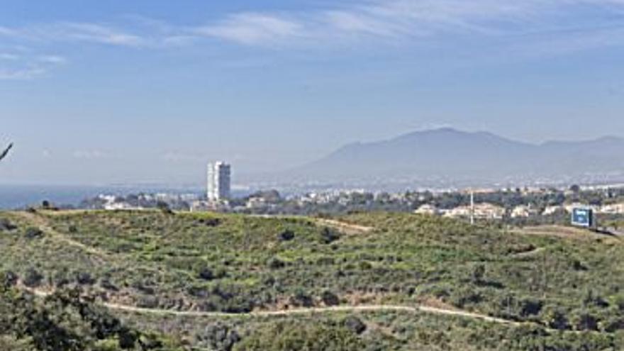 530.000 € Venta de casa en Los Monteros (Marbella) 207 m2, 3 habitaciones, 4 baños, 2.560 €/m2...