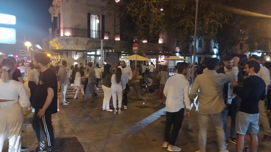 El ocio nocturno de Baleares pide «mano dura» contra botellones y oferta ilegal