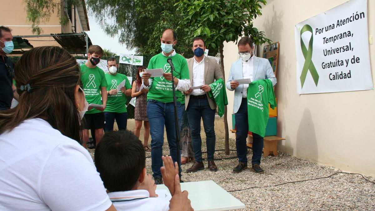 José Ángel Ponce, Francisco Morales y Diego José Mateos, durante la lectura del manifiesto hoy.