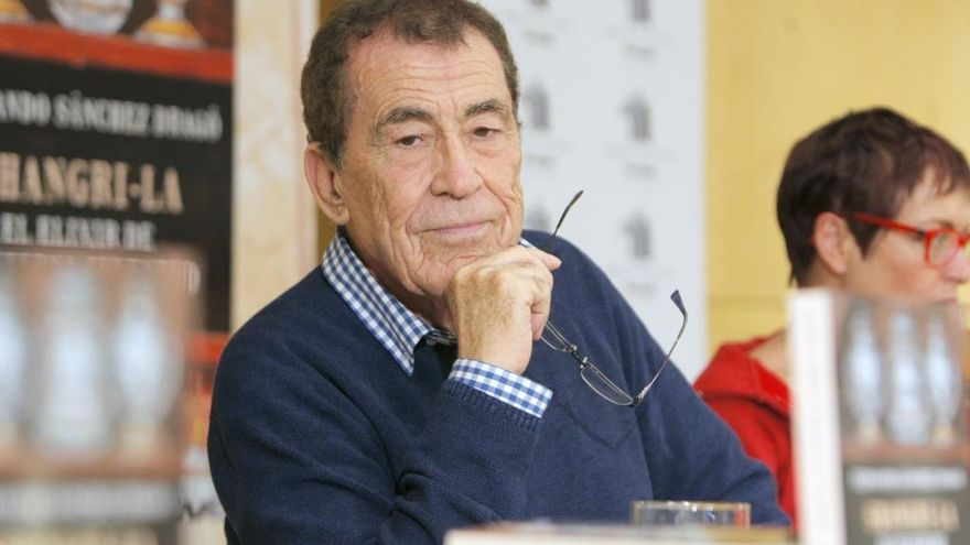 Baiona cancela la conferencia de Sánchez Dragó tras la polémica