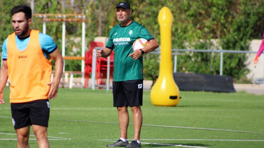 """Miguel Álvarez, entrenador del Villarreal B: """"El Mini, con la afición, nos hace más fuertes"""""""