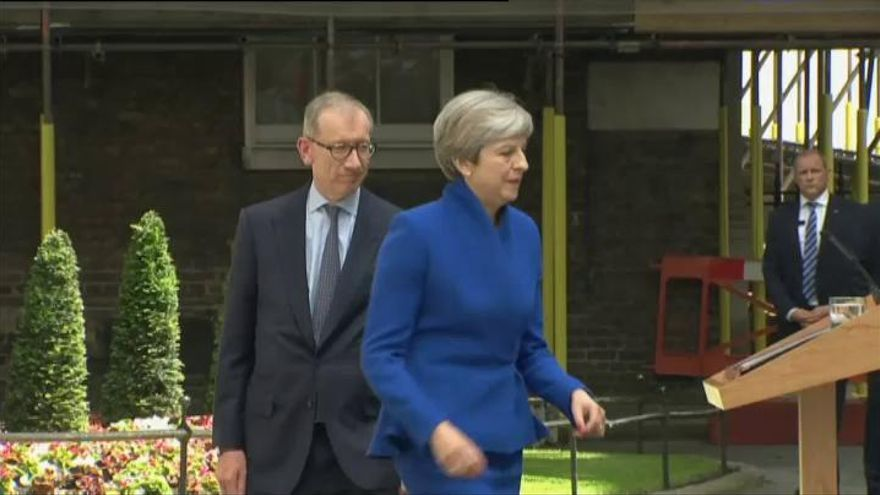 May confirma que formará Gobierno con el apoyo de los unionistas del Ulster
