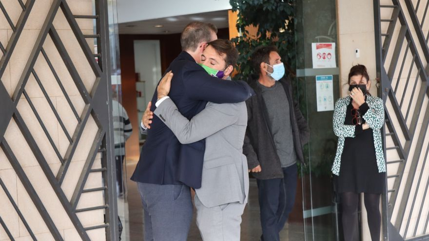 Centenares de personas del deporte y de la sociedad mallorquina dan el último adiós a Miquel Jaume
