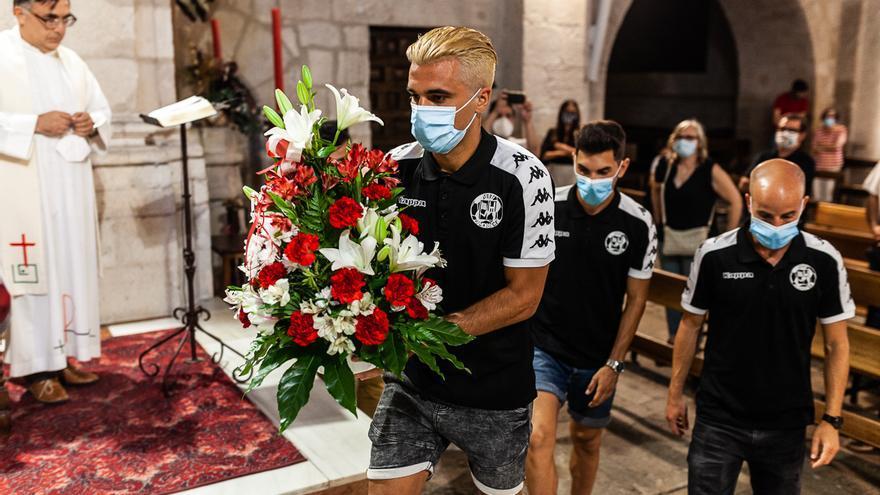 Ofrenda floral del Zamora C.F a la patrona de Zamora, la Virgen de la Concha