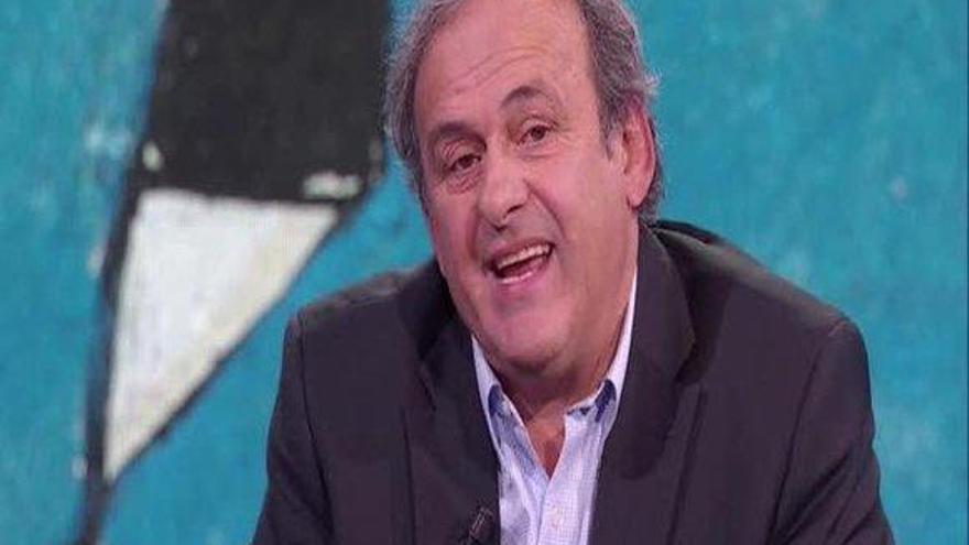 """Platini: """"El VAR es una mierda"""""""
