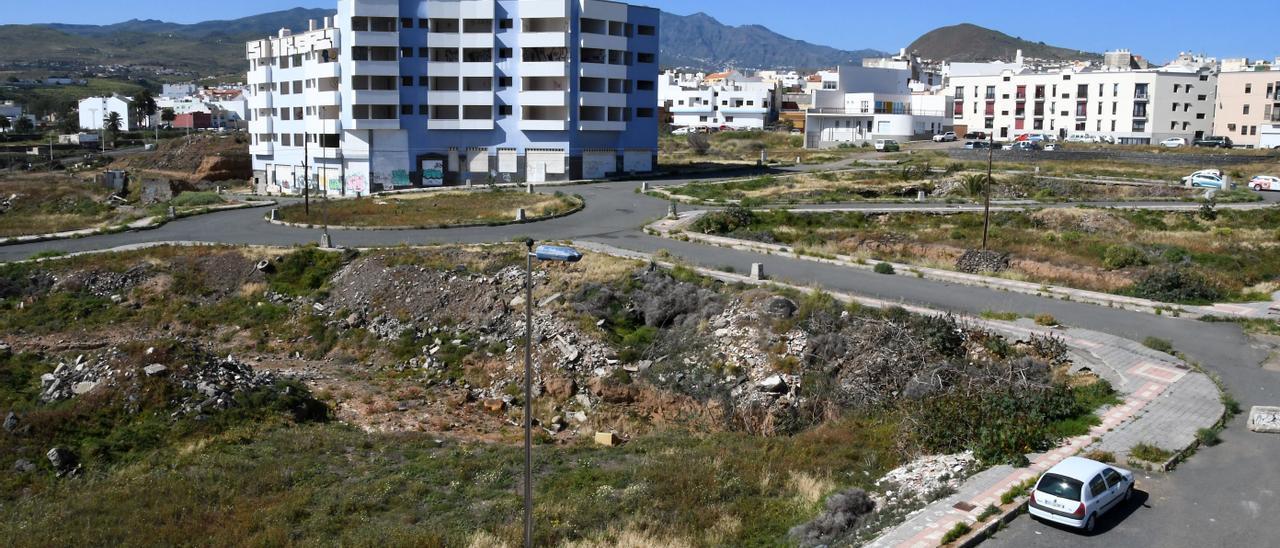 Urbanización inconclusa de Arauz