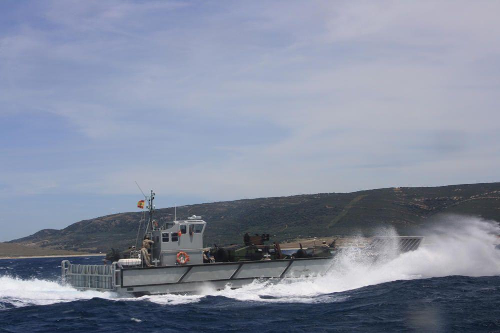 Desembarco con el 'puño ofensivo' de la Armada.
