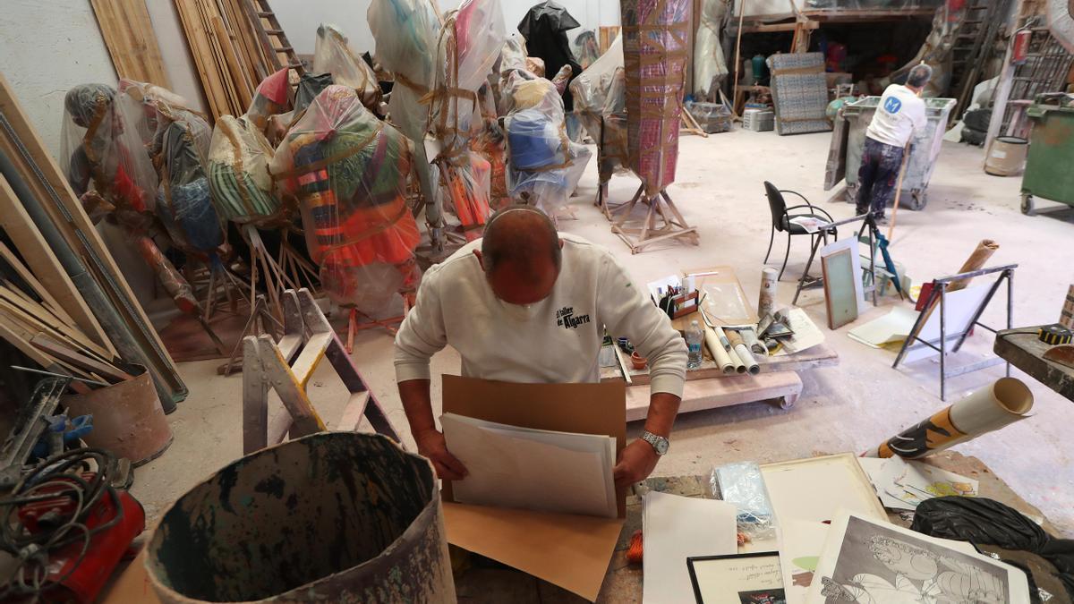 Los artistas falleros forman parte de los oficios a los que está destinada la ayuda