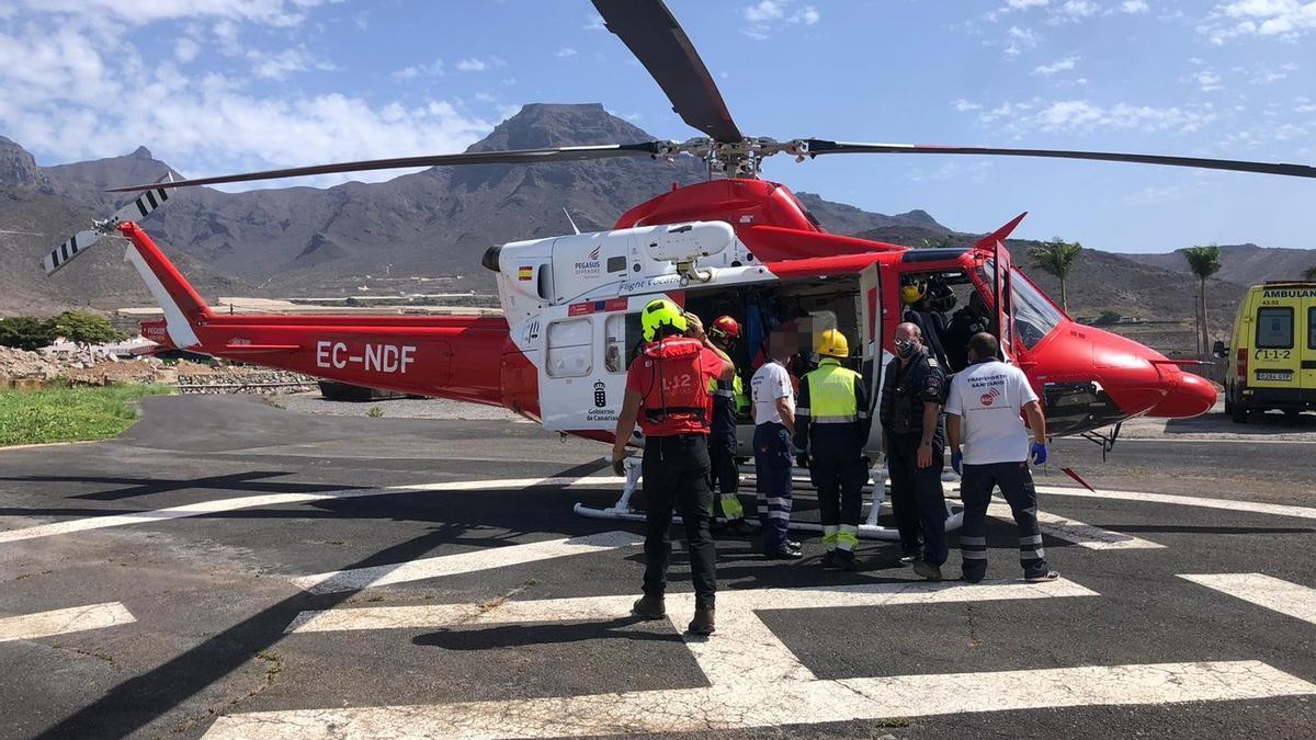 Rescate de los heridos en un accidente de parapente en Tenerife.