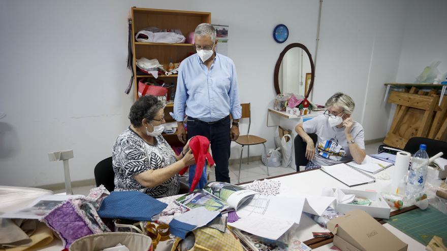 La ciudad ofrece 178 actividades en los centros cívicos y locales sociales municipales