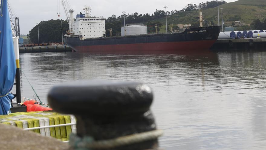 Una empresa chipriota compra en subasta por 1,68 millones el buque ruso abandonado