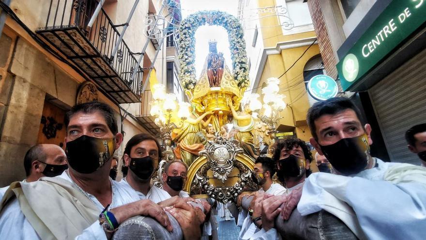 Devoción y emoción a flor de piel en Vila-real con la procesión de la Mare de Déu de Gràcia