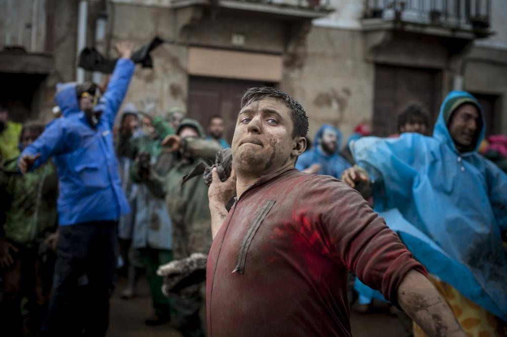 La farrapada abre el Lunes de Carnaval en Laza