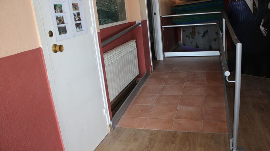 Más accesibilidad para la sede de la Asociación de Vecinos de San Lázaro, en Zamora capital