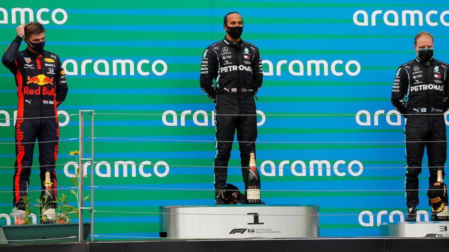 Lewis Hamilton guanya a Hongria i ja és líder