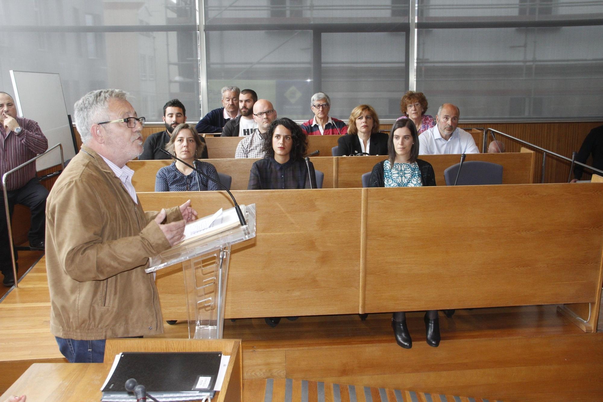 Acto de su investidura como alcalde de Cangas en 2015