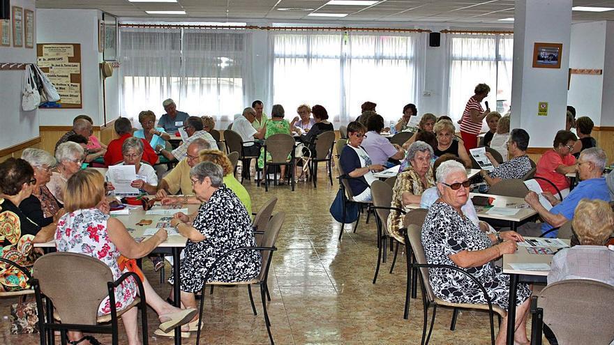 El Consell modifica ayudas para evitar el cierre de 190 clubes de la tercera edad