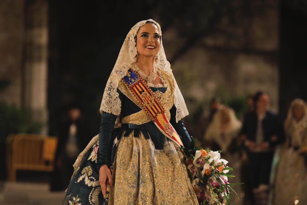Marina Civera en la Ofrenda de las Fallas 2019.